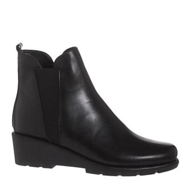 blackStudioFlexx Leather Wedge Boots