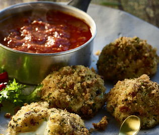 Mozzarella Fritters with Tomato & Sweet Garlic Sauce