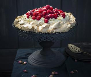 Pavlova with Raspberries