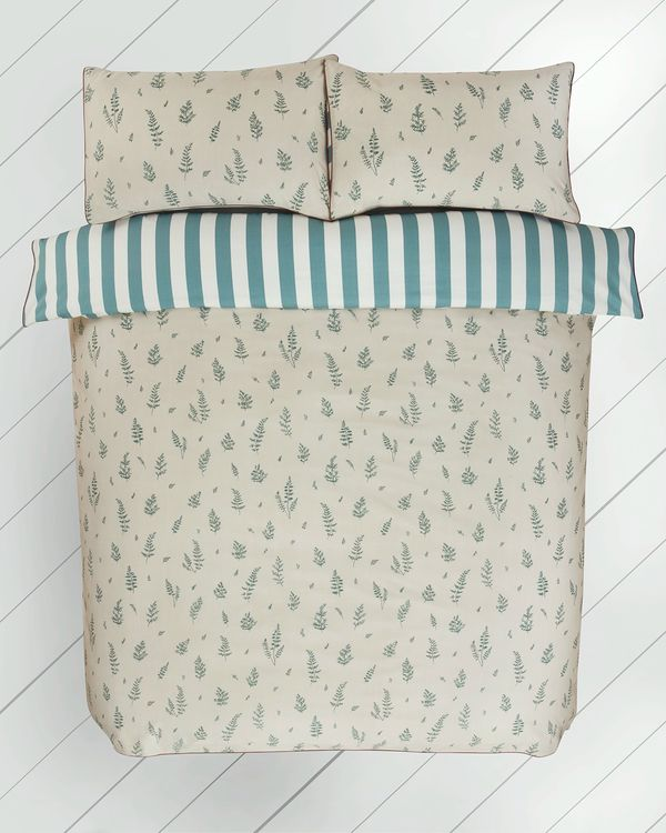Carolyn Donnelly Eclectic Fern Bed Set