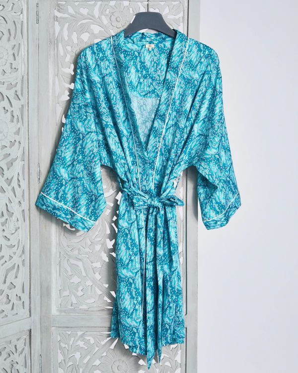 Carolyn Donnelly Eclectic Oasis Crinkled Satin Wrap