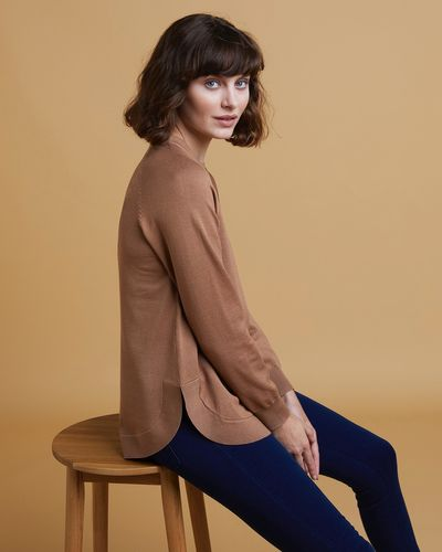Gallery V-Neck Round Hem Jumper
