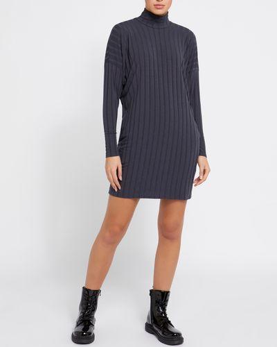Short Long-Sleeved Dress