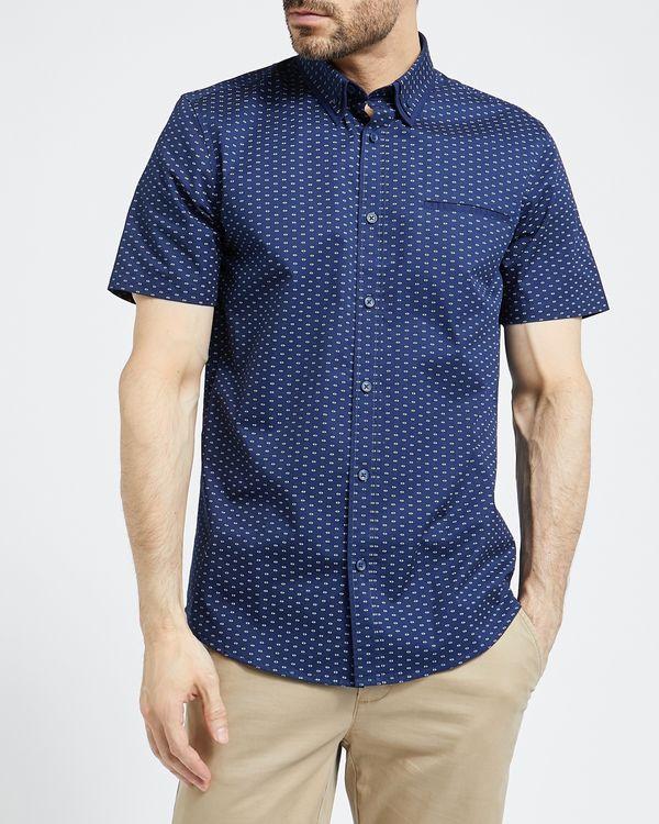 Short-Sleeved Regular Fit Fashion Shirt