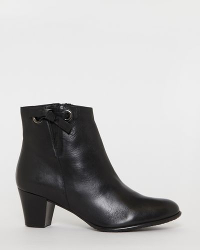 Leather Side Knot Ankle Boots thumbnail