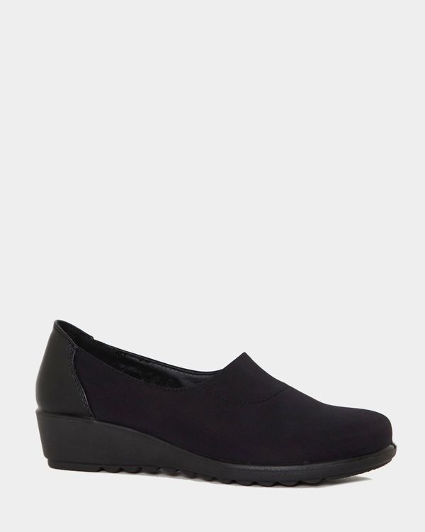 Stretch Wedge Shoes