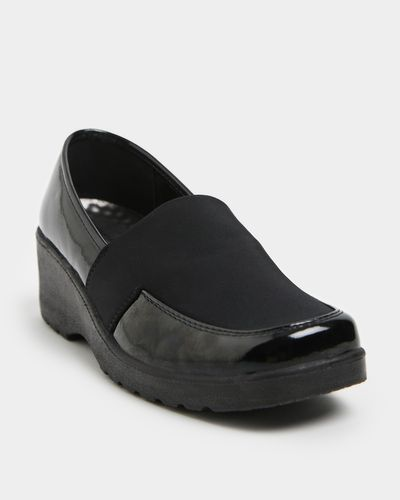 Wedge Shoe With Stretch Upper