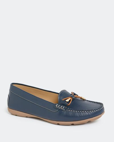 Leather Moccasin With Bow Trim