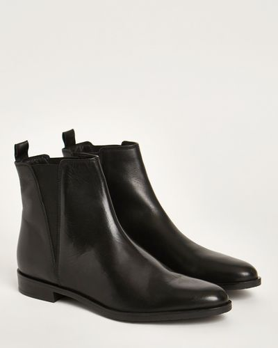 Leather Chelsea Boots thumbnail