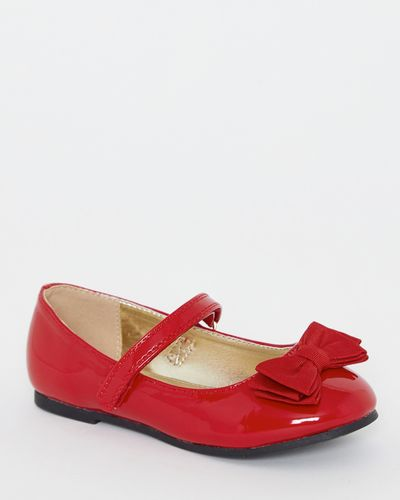 Patent Shoe With Bow