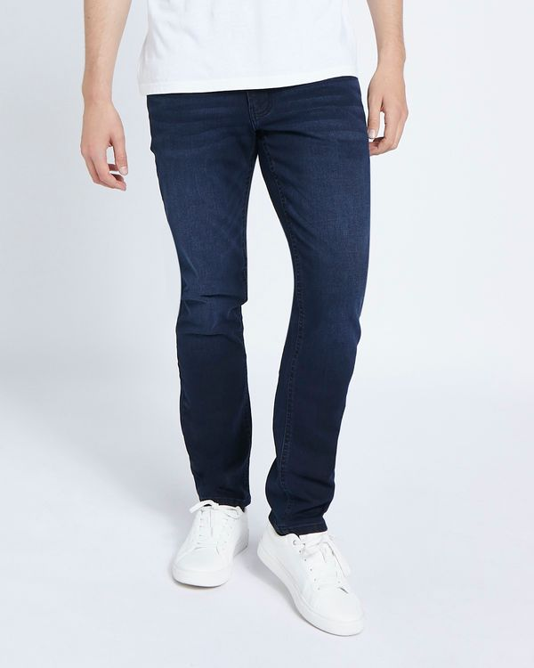 Ultra Stretch Straight Fit Jeans