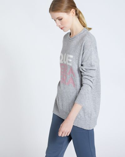 Carolyn Donnelly The Edit Que Sera Slogan Sweater