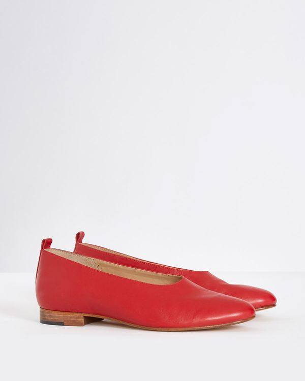 Carolyn Donnelly The Edit Leather Pumps
