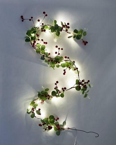 LED Berry Garland