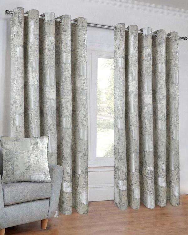 Luna Curtain