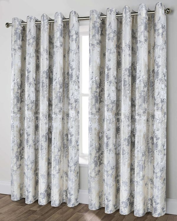 Lyra Curtain