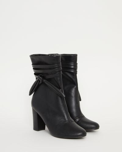 Savida Tie Heel Boots