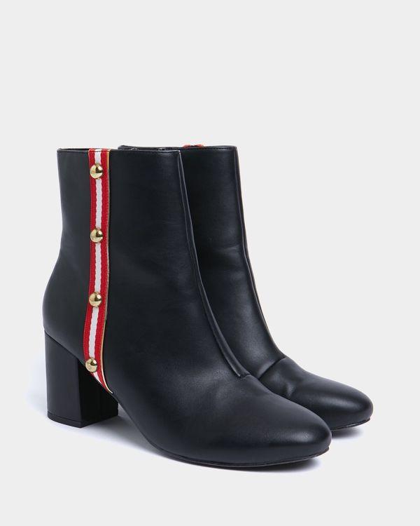 Savida Sports Trim Stud Boots