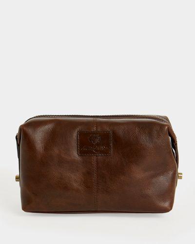 Paul Costelloe Living Leather Wash Bag